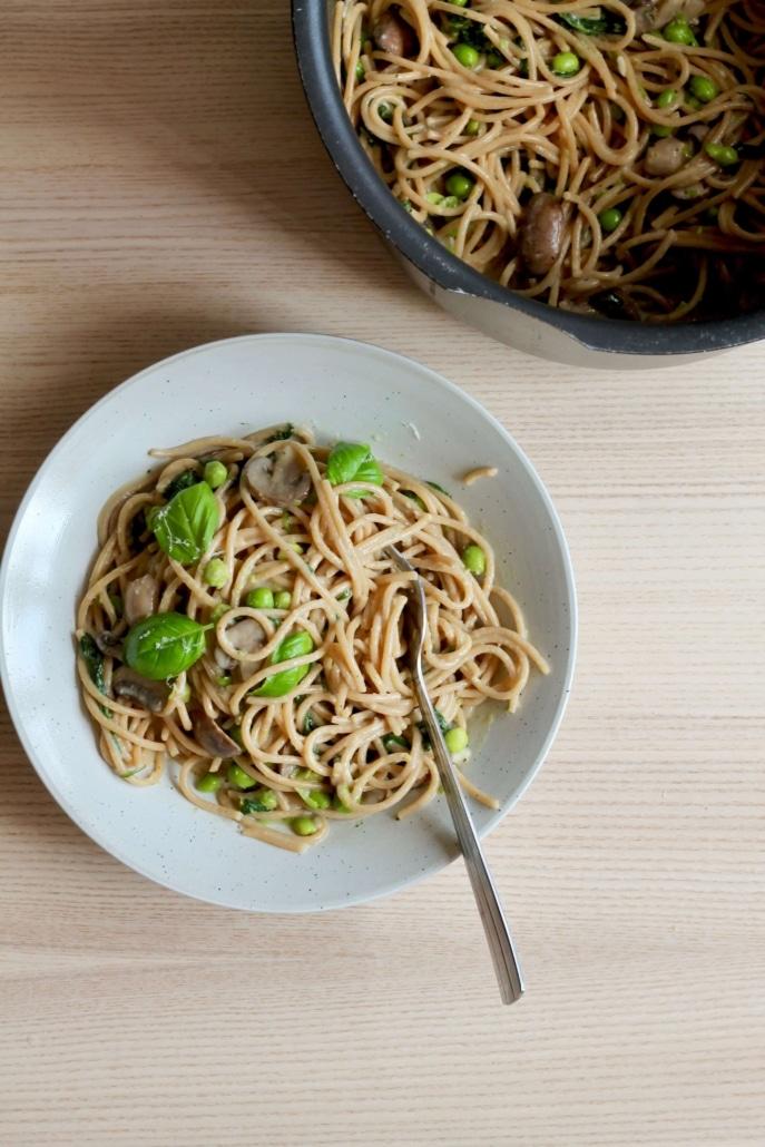 One pot pasta med ærter